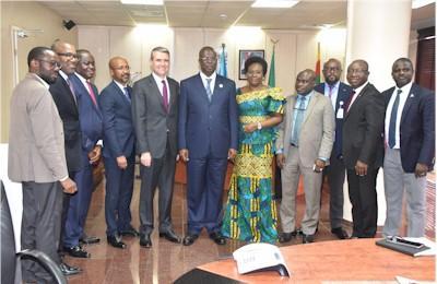 nigeria_groupphotograph_minister_total.jpg