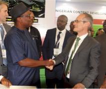 Nigeria-Engr. Simbi Kesiye Wabote and Mr Terraz in a handsake