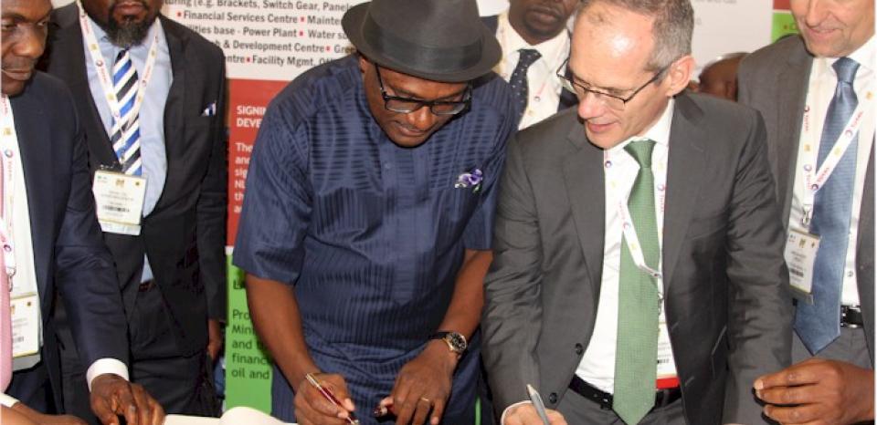 Nigeria-Engr. Simbi Kesiye Wabote and Mr Terraz signing